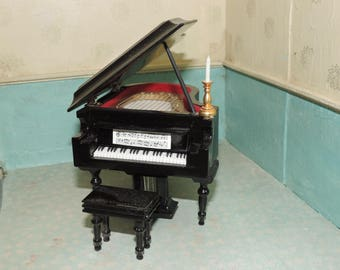 Piano, concerto, with stool and candle 1:12 scale, dollhouse