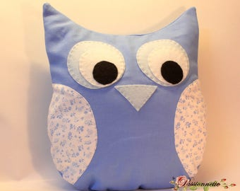 Plain and flowery tones blue fabric OWL pillow (OWL)