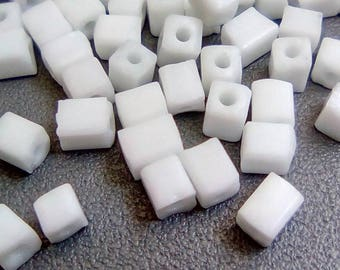 150 seed beads 3x5mm white square cubes