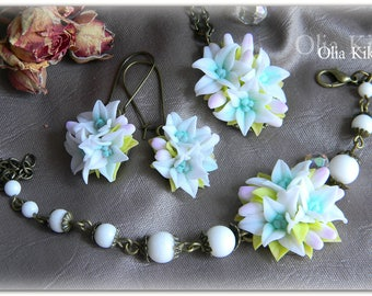 SALE!!! A set of jewelry with lilies. Bright and summer set of polymer clay, lily of mint color. Vintage decoration.