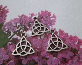 10 charms metal Celtic knot silver 16 mm x 14 mm
