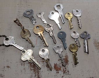 Vintage Keys Steampunk Industrial Old Key Collection Salvaged Hardware Altered Art Assemblage Wedding Jewelry Making Craft Supply
