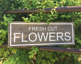 Rustic farmhouse sign, Fresh Cut flowers rustic sign, Flower Sign, Garden Sign, Wood Hand painted sign, Fresh Cut Flowers Sign,
