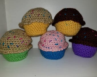 Crochet stuffed cupcakes