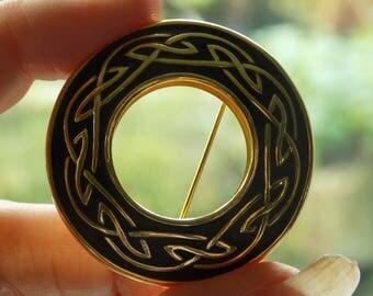 Vintage Scottish Celtic Knot Enamel Brooch Pin