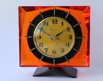 Soviet mantel clock Molnija. Molnija table clock. Desk clock USSR. Mechanical clock. Working clock. Molnija. Soviet clock