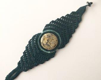 Macrame bracelet wt Fossilized Shells