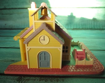 1993 Schoolhouse Polly Pocket