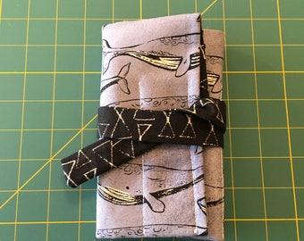 7 pen wrap - Whales