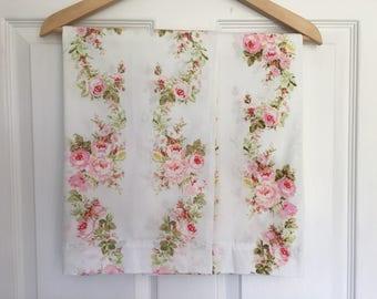 Pair (2) Vintage Floral Percale Pillowcases