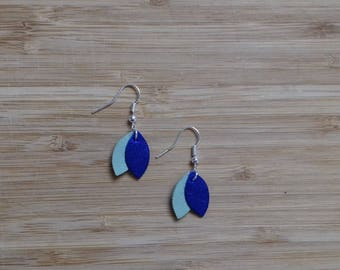 Crocheted earrings silver leather and shape petals, light green and brilliant blue