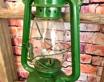 Vintage Green Kerosene Barn Lantern| Farmhouse lantern