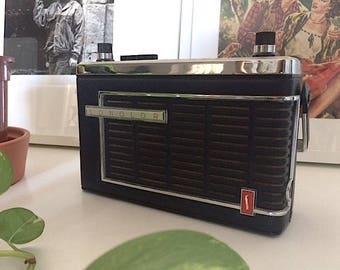 Transistor radio Sonolor Made in France 1970