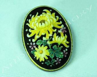 Toshikane Porcelain Japanese Pendant-Brooch