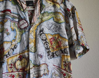 Maps of the World // Medium // 90's Vintage Map Design Short Sleeve T-Shirt