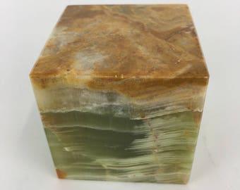 Oynx Cube