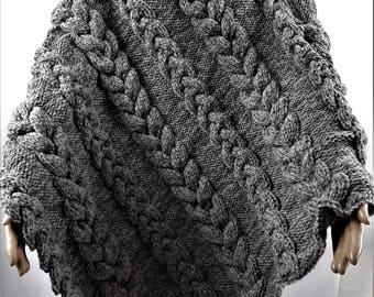 Poncho in wool, poncho, Poncho handmade knitted Poncho, poncho handmade, unisex clothes, wool clothing