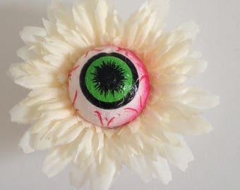 Eye see you flower
