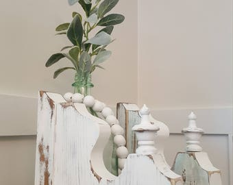 Antique Style Bracket Corbel With Finials