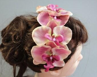 """Rockabilly Hairflower on ripe """"famous"""""""