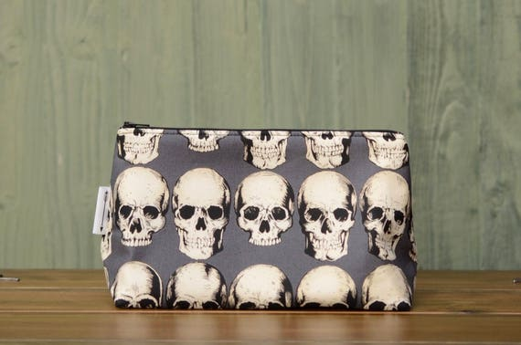Grey skulls large bag
