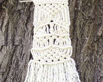 Ivory Knotted Macrame
