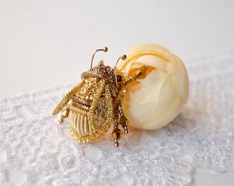 Gold bee brooch Bumble bee brooch Bee pin - embroidered brooch Bee brooch, bumblebee pin, Honey bee brooch, brooch insect bumblebee brooch