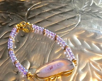 Agate Pink Sliced Geode and Swarovski pink crystals Gold Bracelet.
