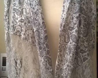 Cotton, viscose, silk and lace gray scarf