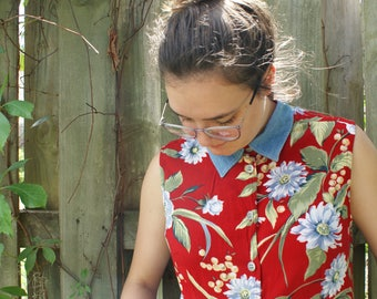 90's Collared Floral Button-Up