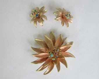 Beautiful Rose Gold Tone Brooch & Matching Earrings Set Flowers with Rhinestones