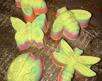 Neon Tropical punch bath bombs 5.5 oz