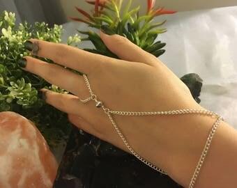 Triangular Hand Chain
