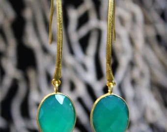 Decorated with green Onyx gold earrings