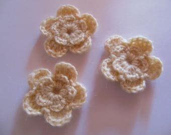 Wool crochet off white flowers