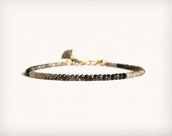 Dainty Bracelet with Mulit Sapphire in gray