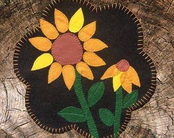 Sunflower Center Piece 'Penny Rug'