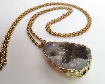 long geode necklace, chunky gold chain, gold look necklace