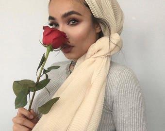 Vanilla crinkled hijab