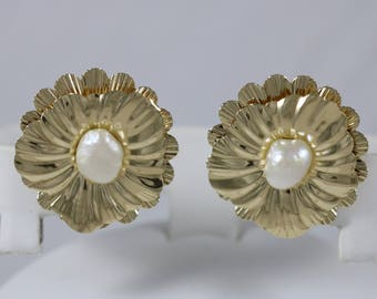 14k Yellow Gold Floral 9x7mm Baroque Pearl Stud Butterfly Post Earrings 5.7g