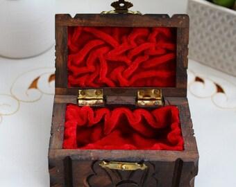 Wooden brown jewellery box, Wooden jewellery small box, vintage wooden jewellery box, old jewellery box, red jewellery box, carved jewellery