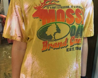 Mossy Oak Distressed Bleached Destroyed yellow tshirt