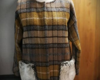 100 % Wool jacket/Elegant jacket/Faux fur pockets/Spring,Autumn  jacket/Wool coat/Women/Girl/Lady