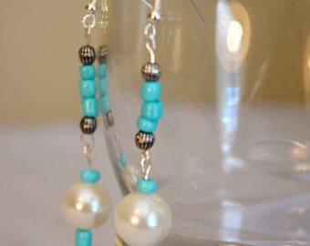 Seed bead and glass pearl earring
