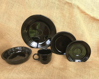Retired Black Fiestaware 5 peice Place Setting *new*