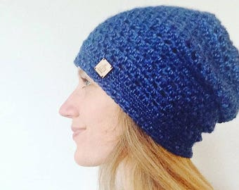 Light slouchie beanie