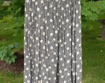 Flowy flowery maxi skirt size medium