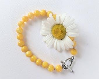 Shell Bead Bracelet / Yellow Bracelet / Boho Jewelry / Yoga Bracelet / Festival Bracelet / Bohemian / Sun Bracelet