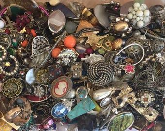 Vintage & Mod broken jewelry findings single earrings crafting lot rhinestone harvest art repair DIY Craft project destash lot
