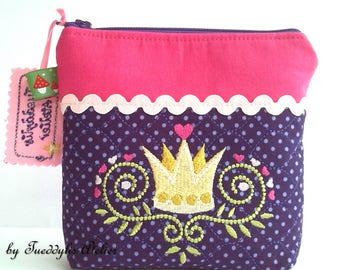 Small pouch, cosmetics, secrets, Crown